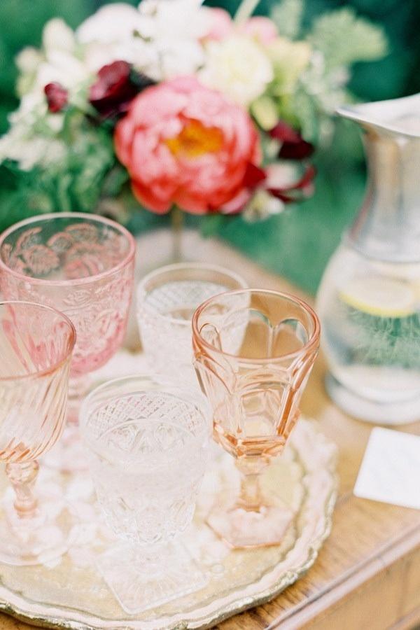 Как да миксираме и съчетаем чаши от цветно стъкло