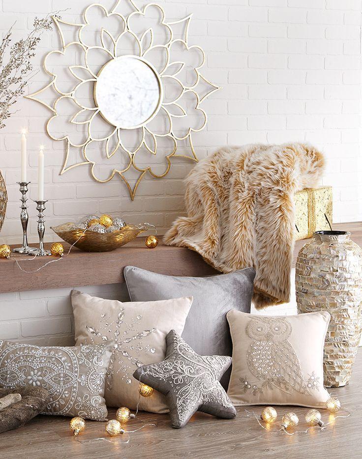 Традиционна Коледна украса на дома