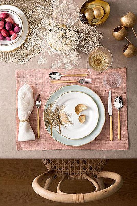 Как да аранжираш бързо необичайно красива маса без дори да имаш красив сервиз