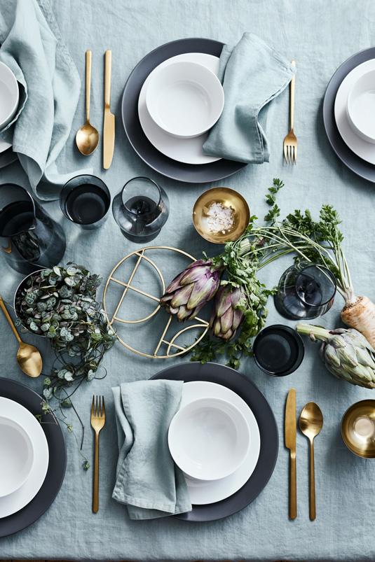 Как да избереш правилната покривка за своята маса