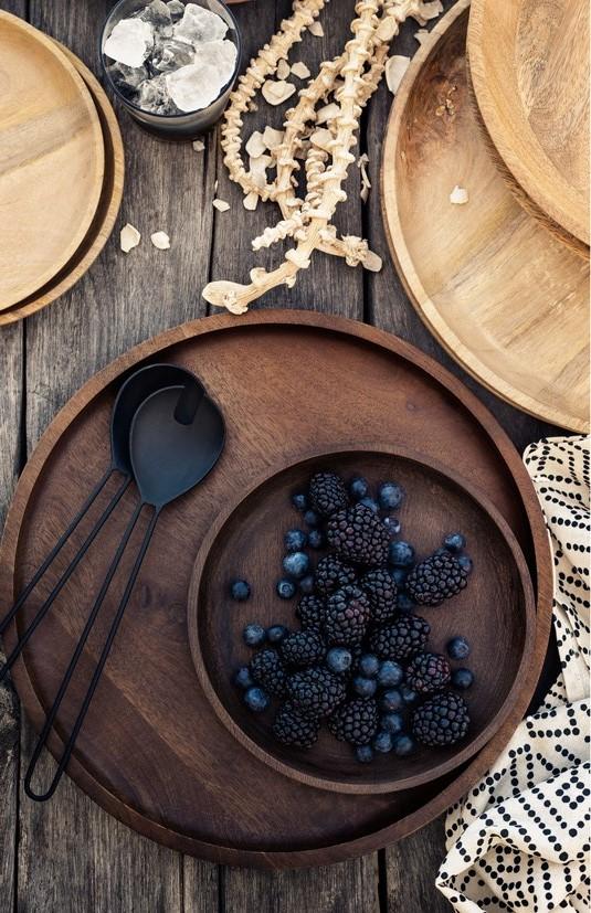 Стратегии за сервиране: дървени съдове и подноси