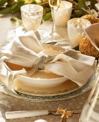 Как да аранжираш коледна маса, която гостите ти ще запомнят (завинаги)